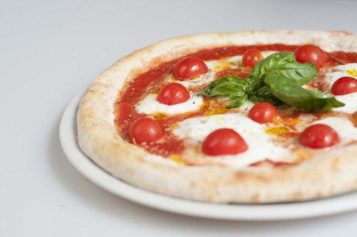 Mangiare una pizza - Ristorante Firenze